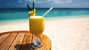 b_cocktail-on-the-beach